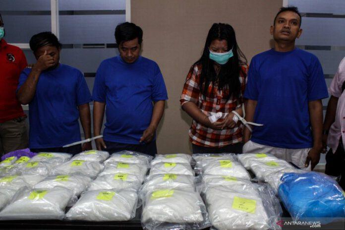 Ungkap Kasus Narkoba 25 KG 90819 Um 2